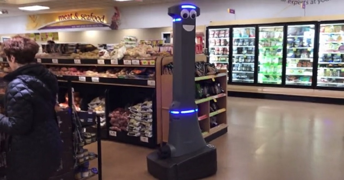 r3 2.jpg - A Goofy-Looking Robot Is Actually A High-Tech Security Robot For A Supermarket In New York