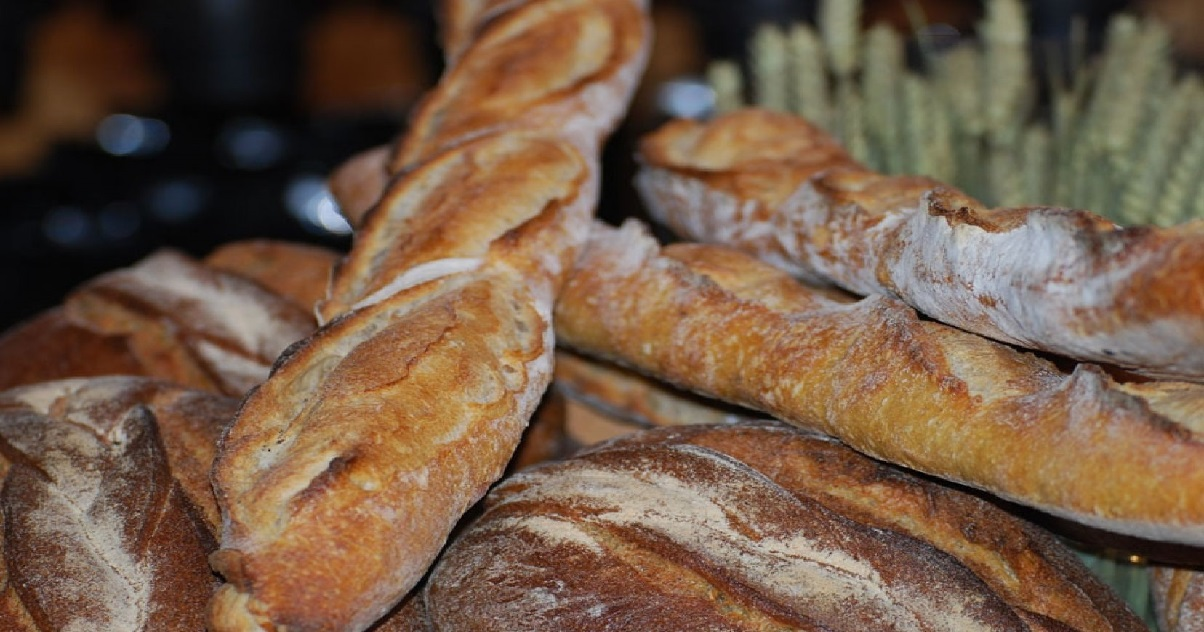 baguette.jpg - Confinement: Dans le Var, une commune verbalise les personnes qui n'achètent qu'une baguette à la boulangerie