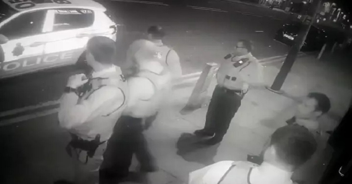 c3 14.jpg - Police Arrived At A Comedy Club To Close It Down After A Rerun Stream Was Mistaken For A Live Show