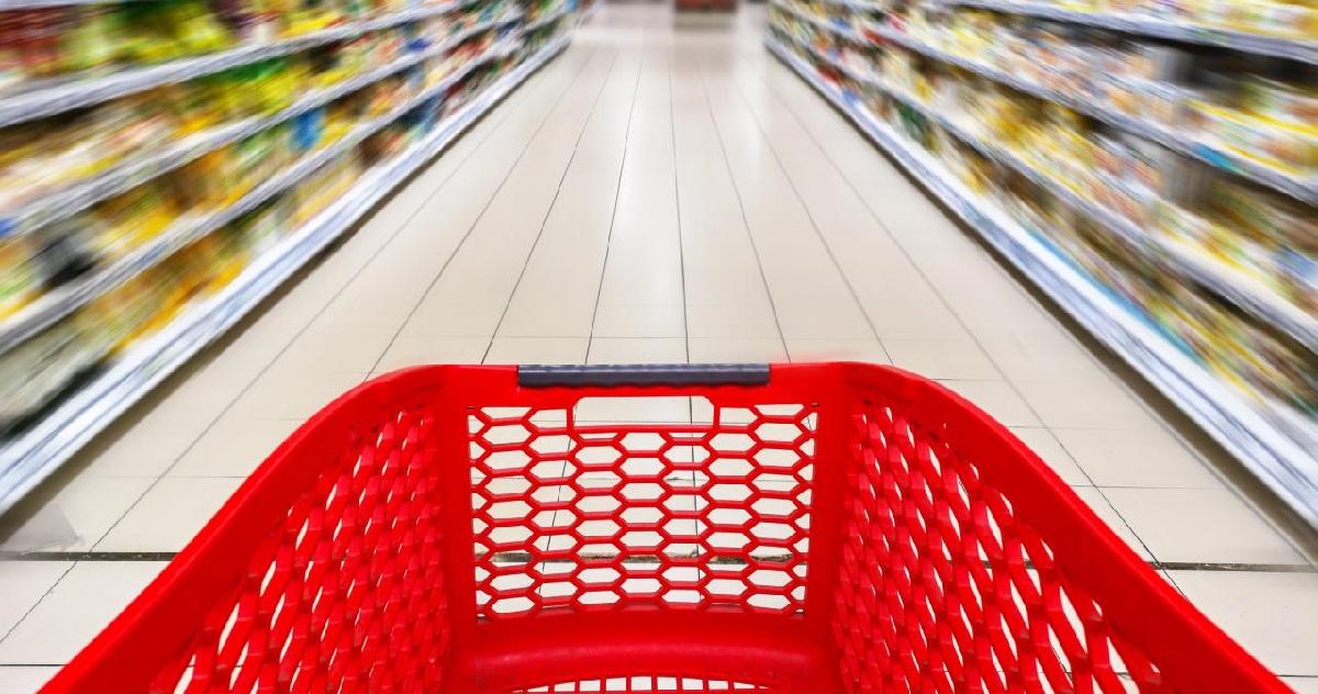 courses.jpeg - OFFICIEL: le personnel soignant sera désormais prioritaire dans les supermarchés