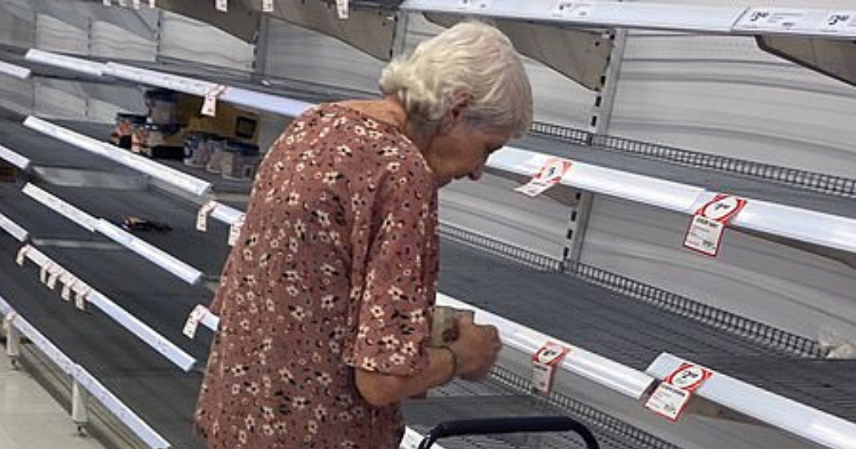 food6.png - Elderly Woman Stared At Empty Shelves Before Breaking Down In Tears After Hoarders Took Everything