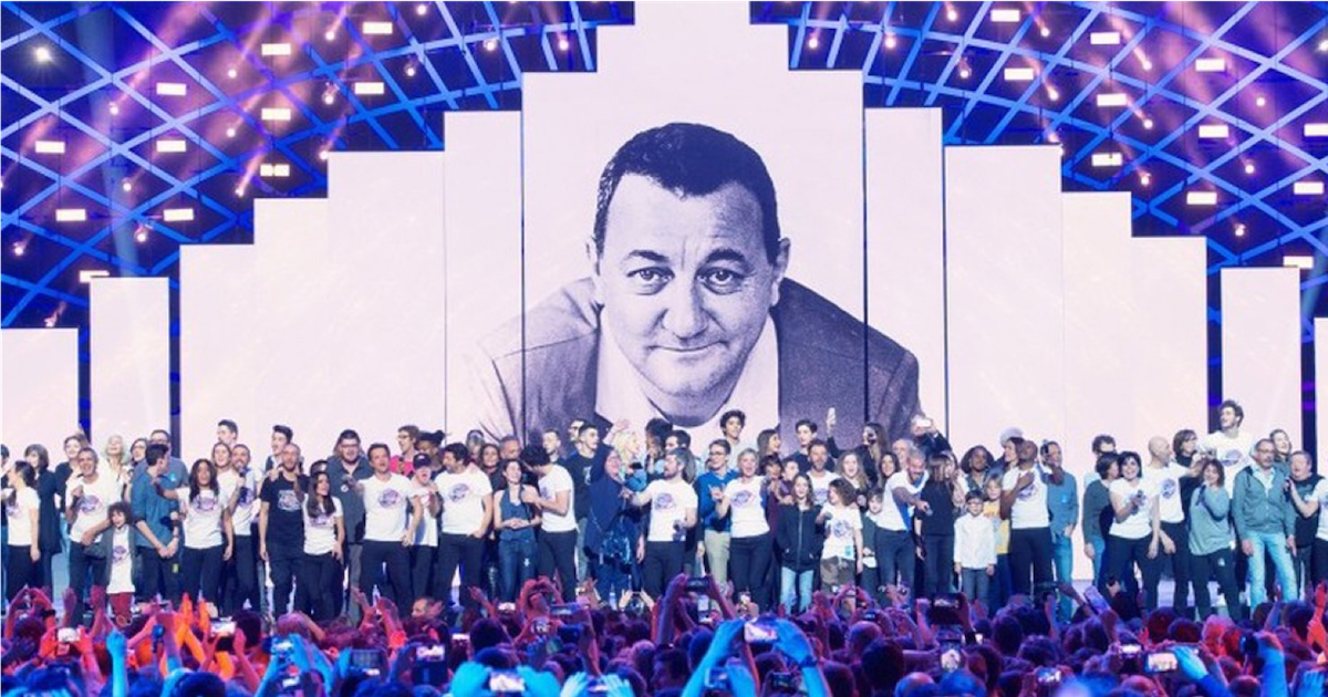 les enfoires.png - Concert des Enfoirés : L'hommage émouvant de la troupe à Johnny Hallyday a bouleversé les internautes