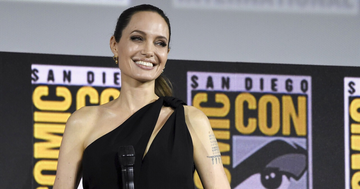 untitled design 12 3.png - Angelina Jolie Donated $1 Million To Feed Hungry Children Amid Coronavirus Pandemic