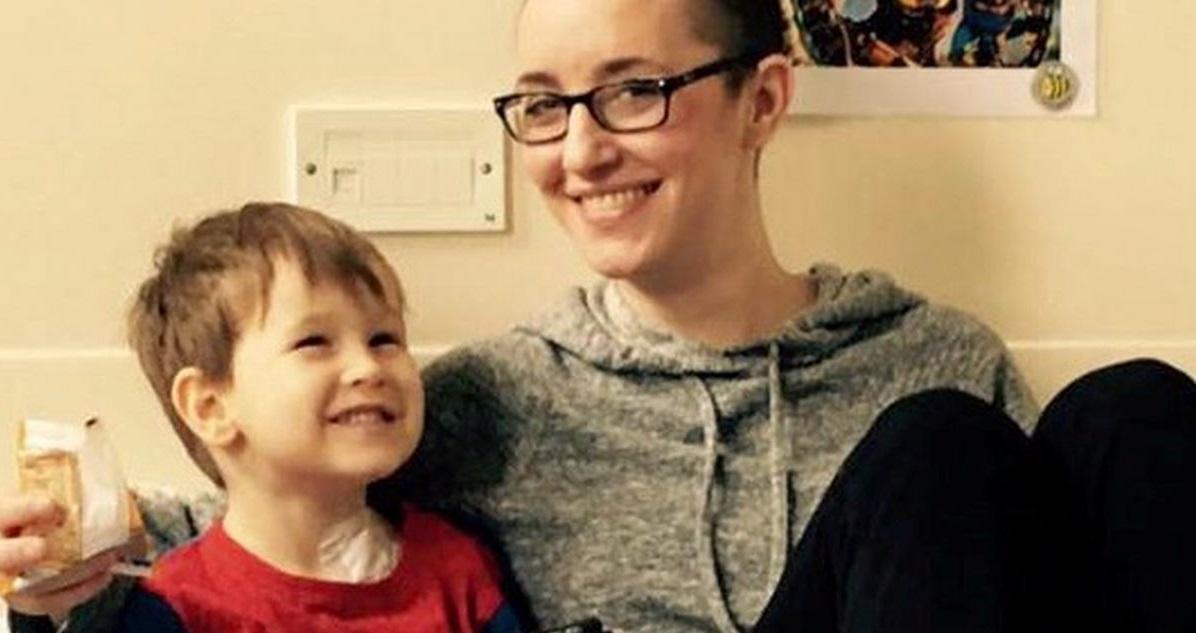 vici ribgy3.jpg - Belle histoire: Une femme et son fils, tous les deux touchés par un cancer, ont réussi à guérir ensemble