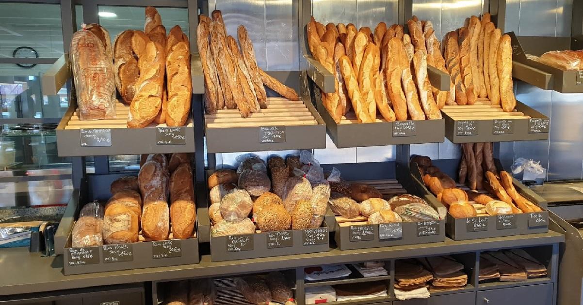 boulangerie.jpg - Solidarité: La gendarmerie a fait un étrange cadeau au boulanger de Noyers-sur-Jabron (04)