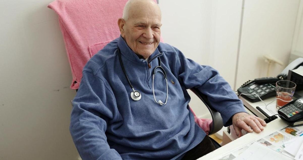 christian chenay.jpg - Belle histoire du jour: un médecin de 98 ans reprend ses fonctions et s'occupe des malades du coronavirus