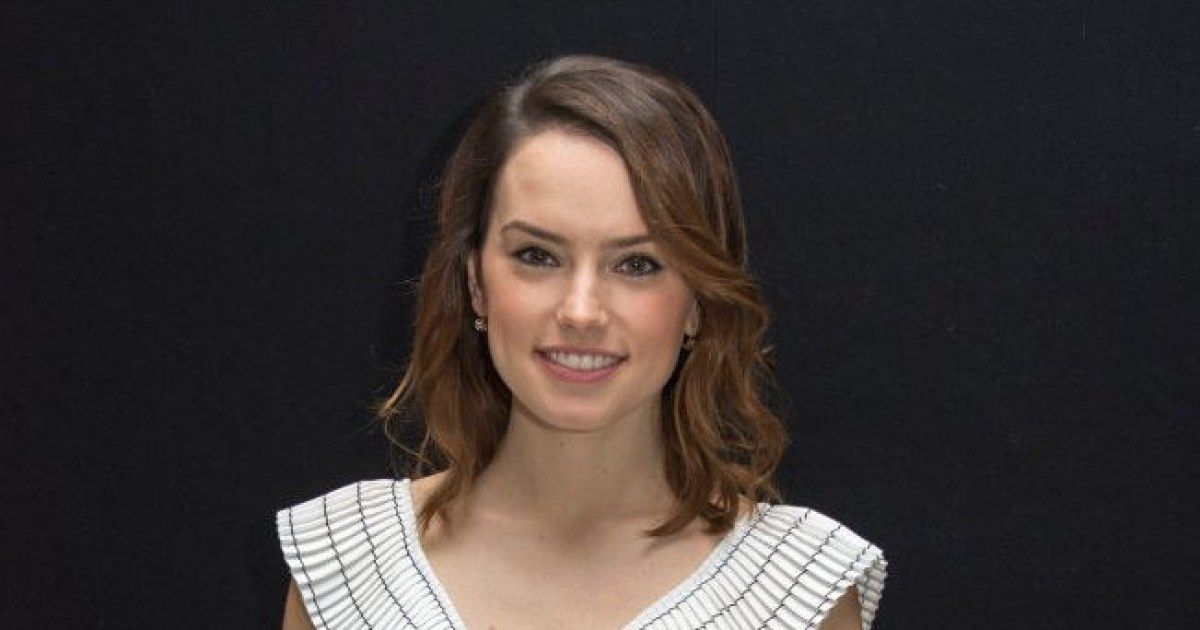ec8db8eb84ac 17.jpg - May The Force Be With You In Your Quarantine! - Daisy Ridley Read Star Wars Children's Book Via Twitter