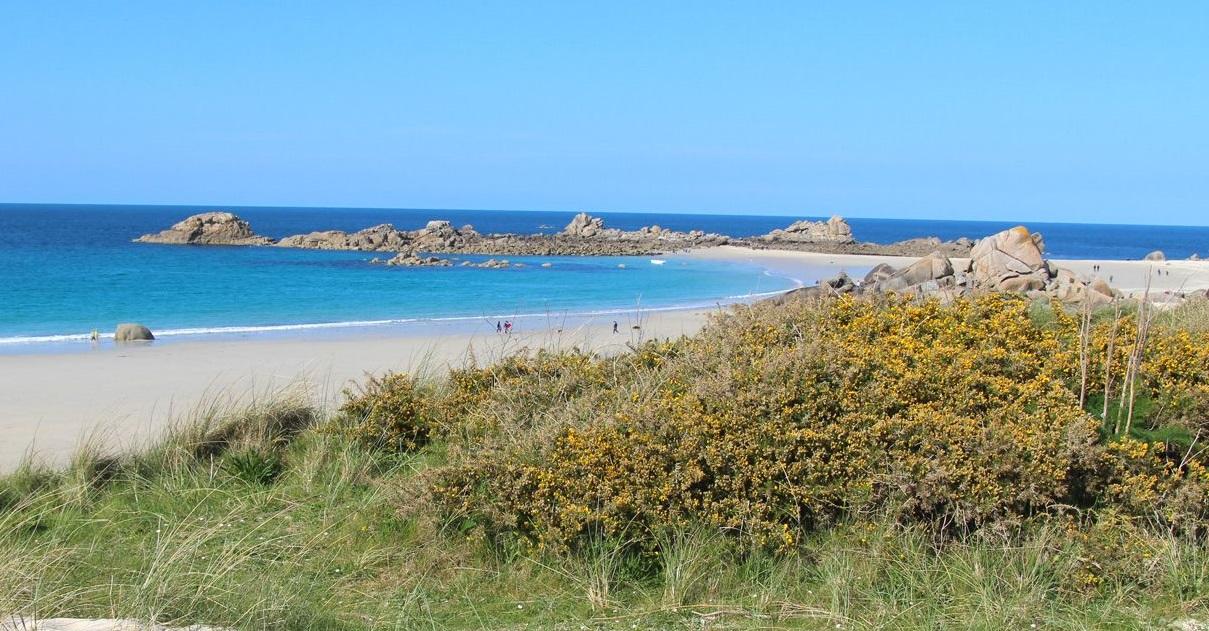 plage.jpg - Insolite: dans le Finistère, un homme a été contrôlé alors qu'il se baignait nu après son footing