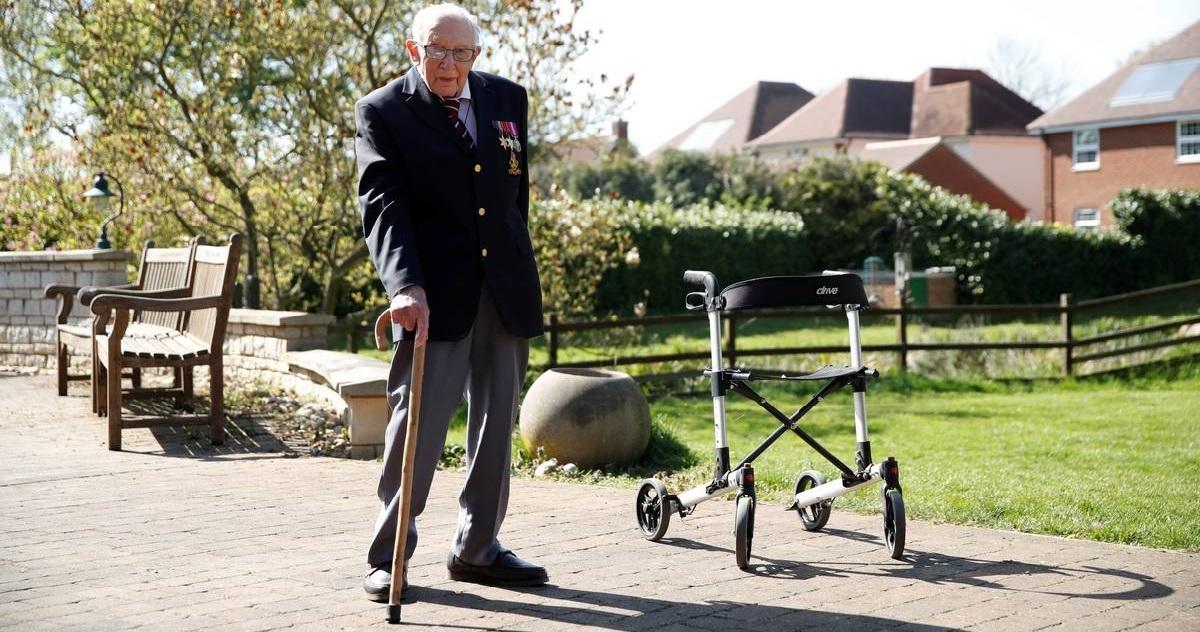 tom moore.jpg - Héros: un homme de 99 ans a collecté 23 millions d'euros pour le personnel soignant !