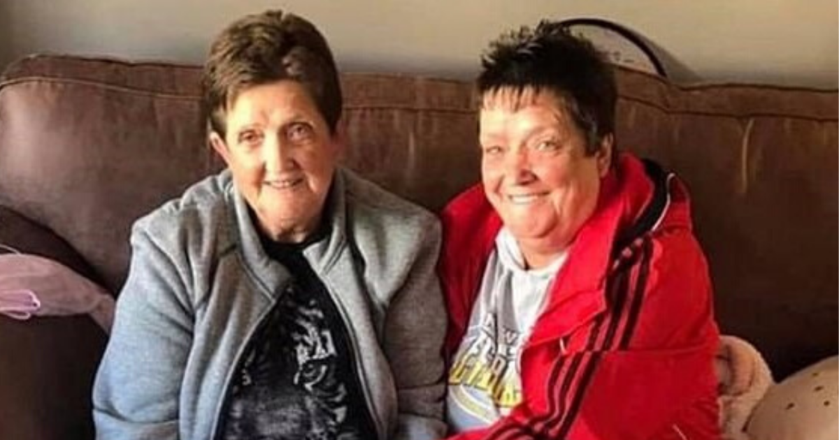 twins5 1.png - Twin Sisters, 66, Passed Away From Coronavirus And Now Their Brother, 68, Is Diagnosed With The Infection