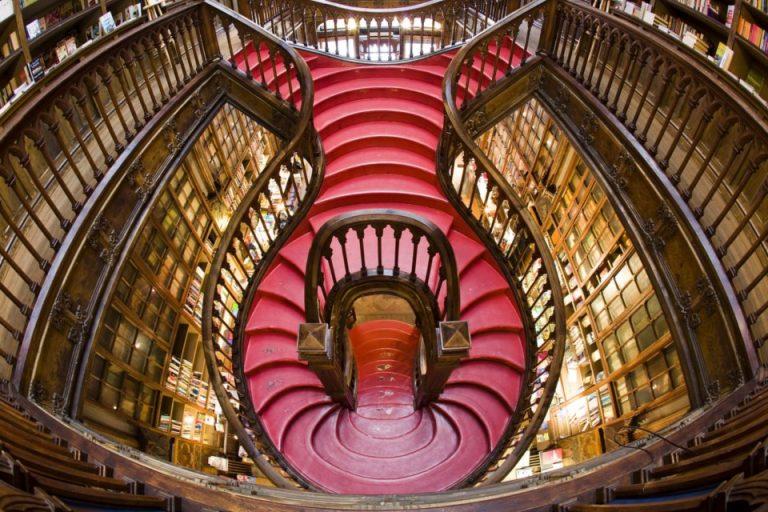 J. K. Rowling diz que nunca visitou Livraria Lello, suposta ...