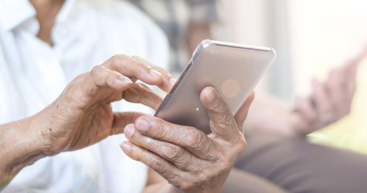 b5e4396b9cc50653cd03237ace67dc11 e1590178158756.jpg - Aux Pays-Bas, un juge ordonne à une grand-mère de retirer les photos de ses petits-enfants sur Facebook