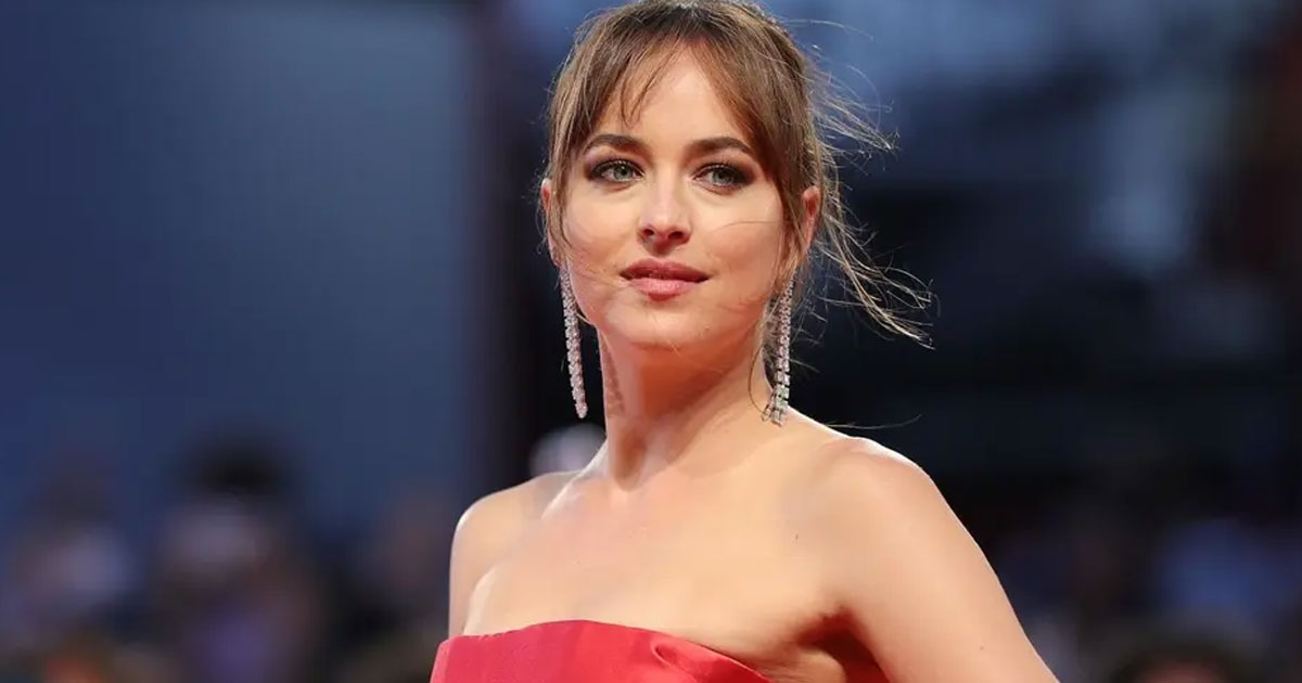 dakota johnson called her struggle with mental health beautiful.jpg - Dakota Johnson Called Her Struggle With Mental Health 'Beautiful'