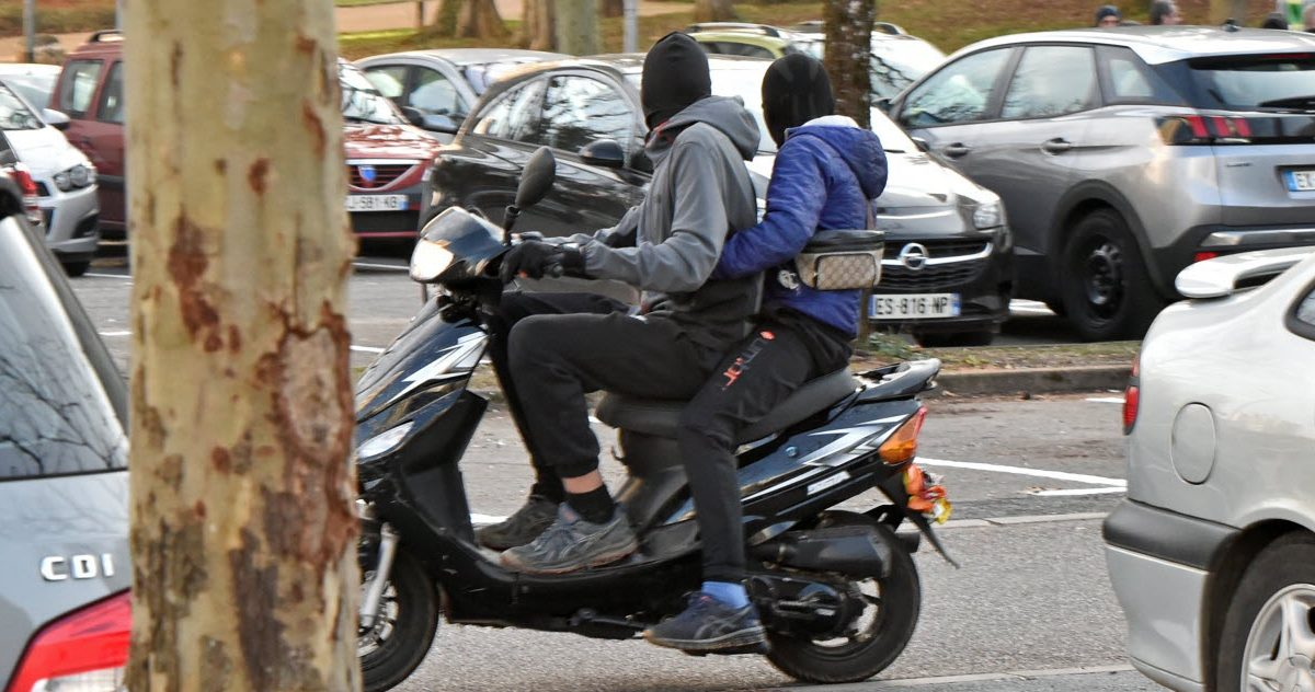 lest republicain 3 e1590747840452.jpg - Interpellation musclée d'un adolescent de 14 ans pour un vol de scooter