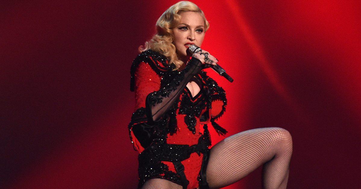 madonna e1590423296879.jpg - Madonna dénonce la censure en postant une photo seins nus sur Instagram