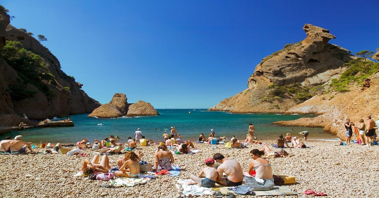 plage 1.jpg - Selon un sondage, 60% des Français souhaitent toujours partir en vacances d'été