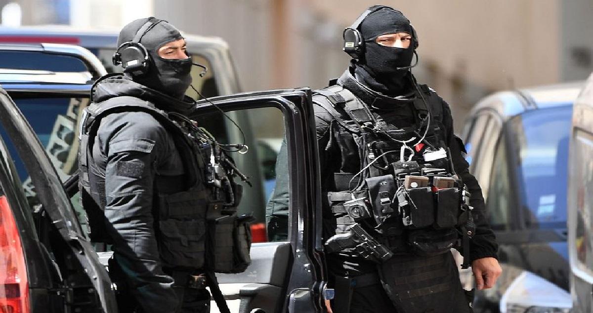 police 11.jpg - Limoges: des policiers se sont trompés d'appartement lors d'une interpellation !