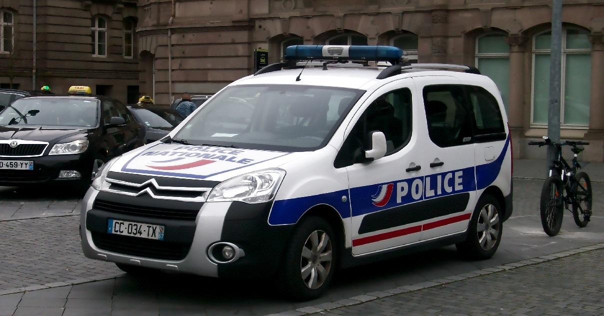 police 5.jpg - Lacrymogène: deux policiers alcoolisés et drogués ont gazé un autre policier dans la rue...