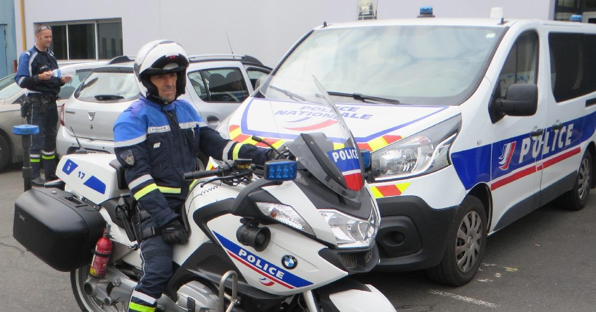 police 7.jpg - Un homme a violenté sa conjointe avant de détruire, puis brûler sa voiture