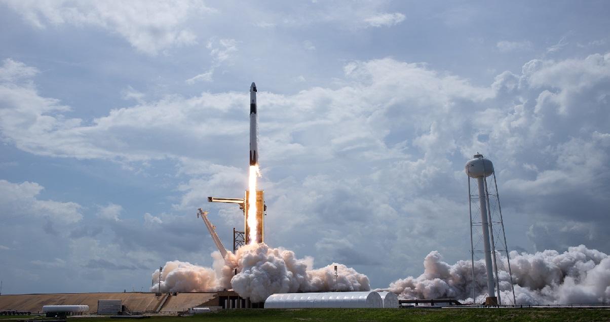 spacex 1.jpg - SpaceX: lancement réussi pour sa fusée Falcon 9 et ses deux astronautes
