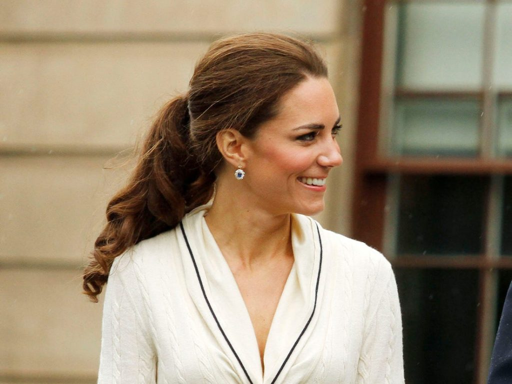 Royal heirlooms Kate Middleton wears from the Queen, Princess ...