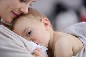 """글로벌-이슈 24] WHO """"육아 중 코로나19 감염 여성 모유 수유 계속하는 ..."""