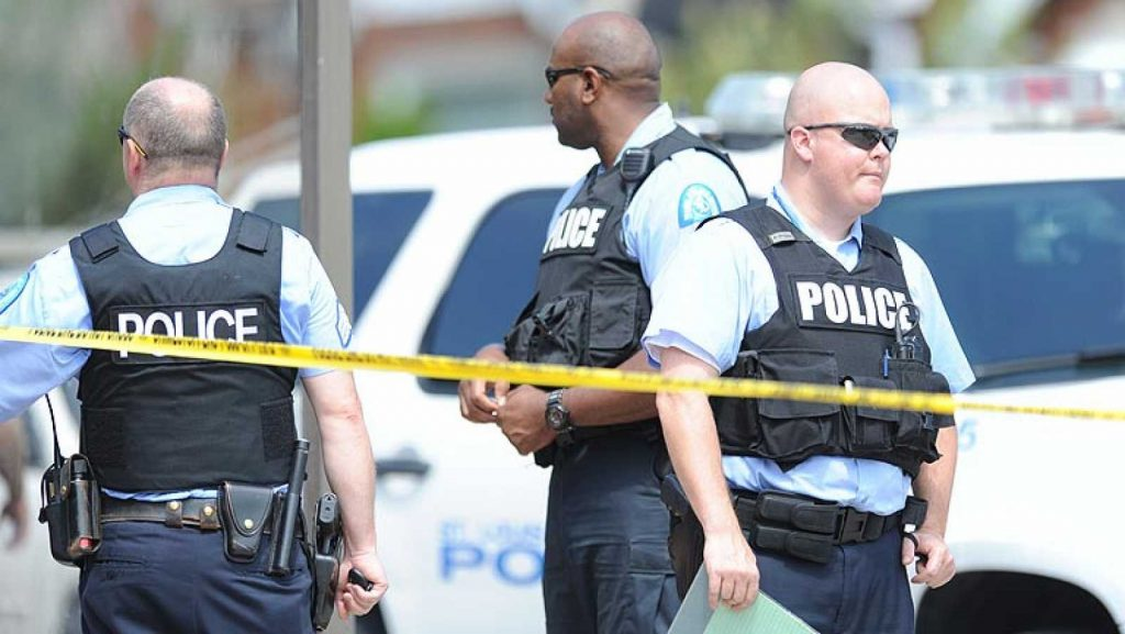 Muere un ciudadano negro por disparos de un policía en San Luis, cerca de Ferguson - RTVE.es