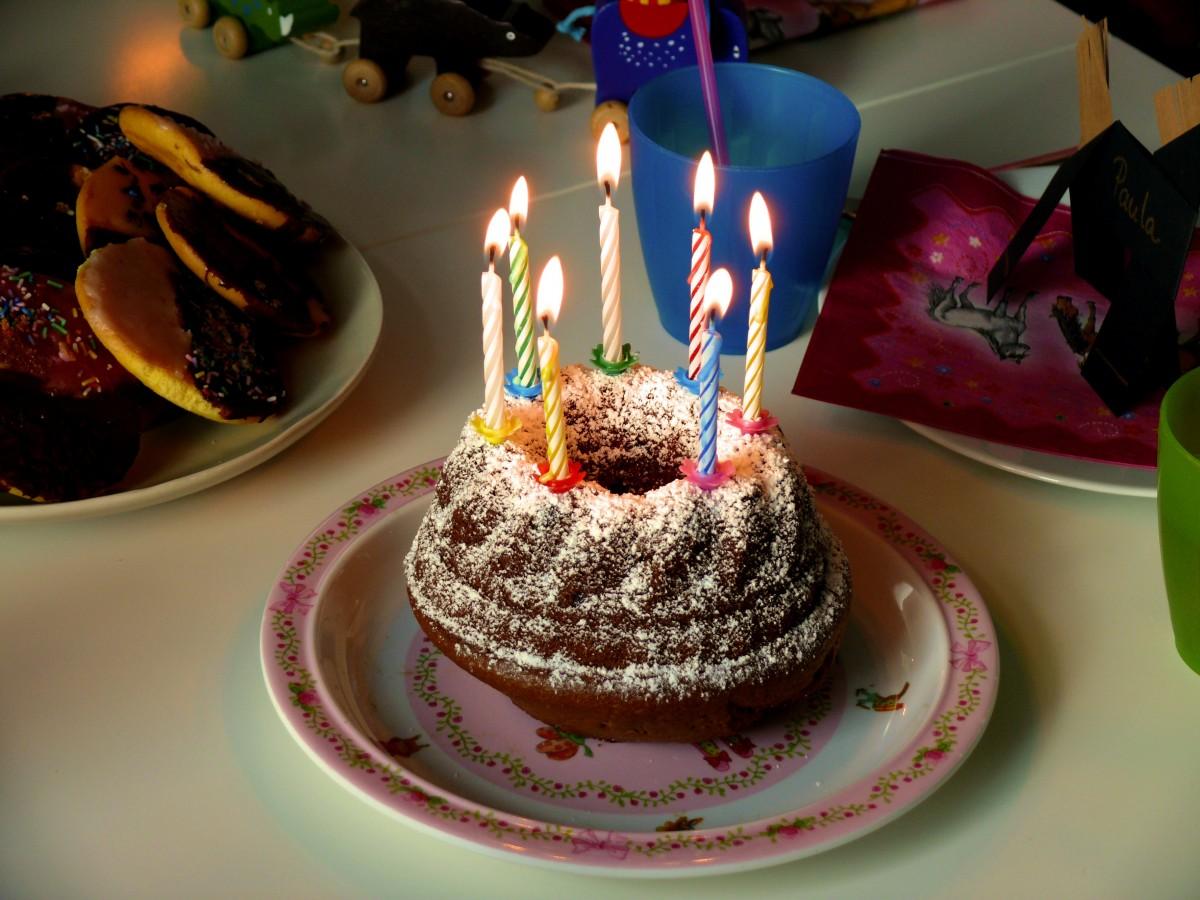 식품, 디저트, 먹다, 케이크, 생일 축하, 구운 것, 화상, 생일 케이크, 빵 굽기, 패스트리, 제전, 양초, 착빙, 생일, 치하, 단맛, 맛, 버터 크림, 케이크 꾸미기, 생일 양초, 생일 축하해