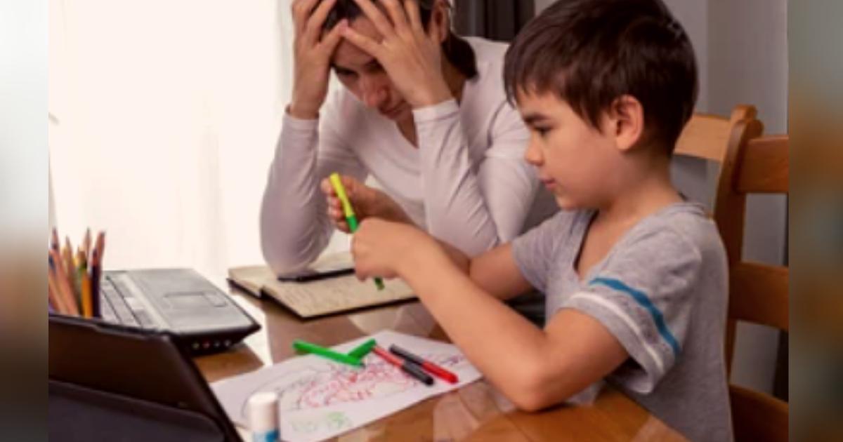 titulo 13.png - Mujer Sufre Un Ataque Al Corazón Tratando De Explicarle Un Problema De Matemáticas A Su Hijo