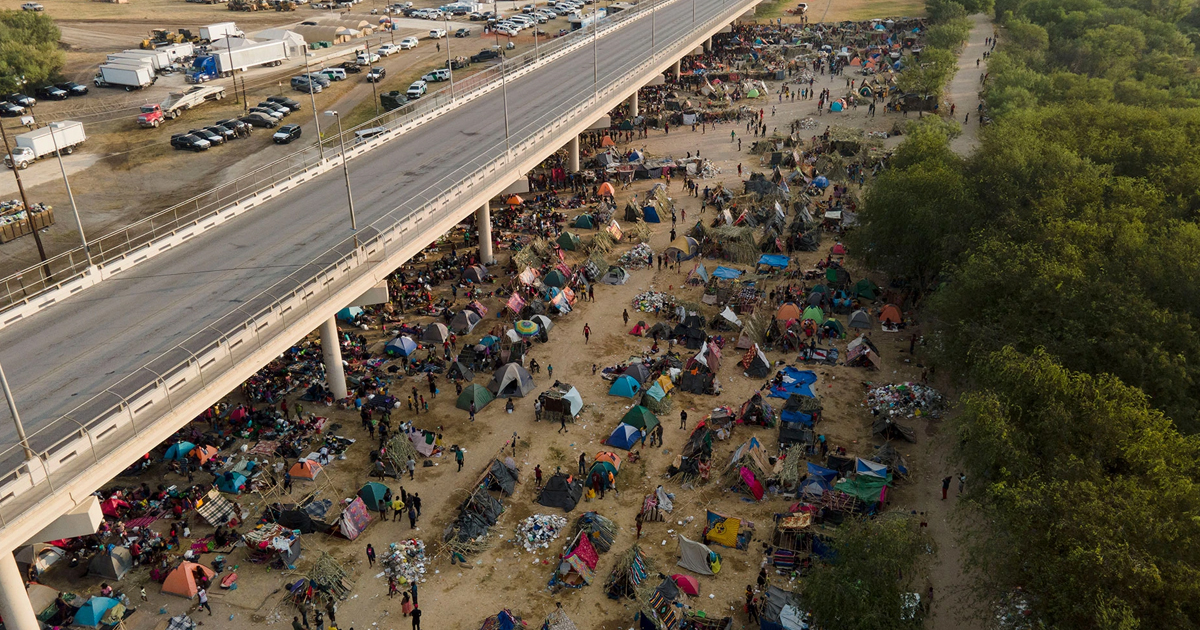 1 70.jpg - Chaos At Texas Border As THOUSANDS Of Haitian Migrants Released Into The US